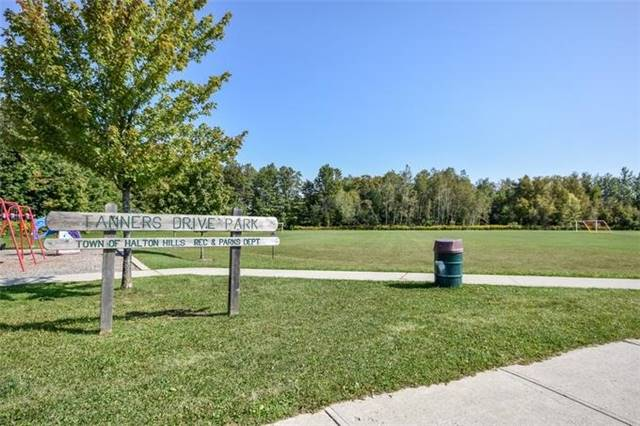 Detached at 10 Tanners Dr, Halton Hills, Ontario. Image 10