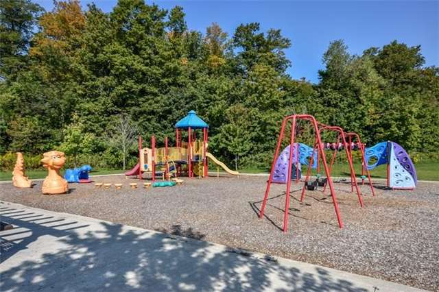Detached at 10 Tanners Dr, Halton Hills, Ontario. Image 11