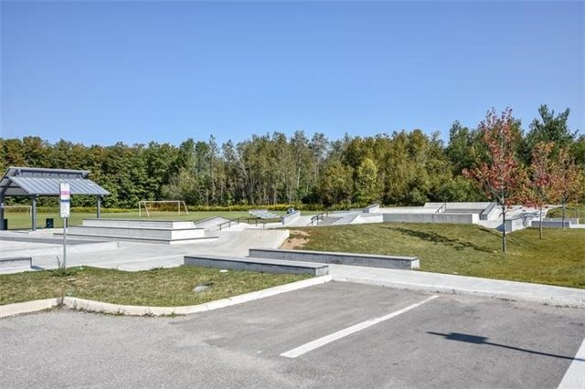 Detached at 10 Tanners Dr, Halton Hills, Ontario. Image 13