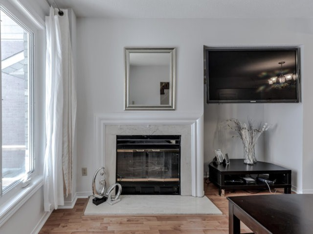 Link at 1306 Valerie Cres, Oakville, Ontario. Image 10