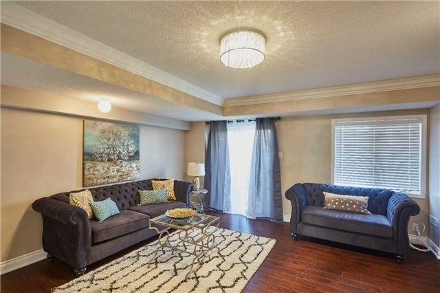 Townhouse at 723 Candlestick Circ, Mississauga, Ontario. Image 12