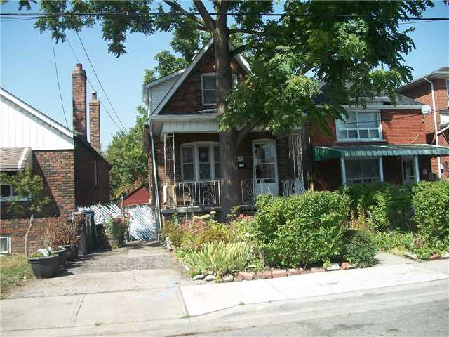 Detached at 20 Aileen Ave, Toronto, Ontario. Image 2
