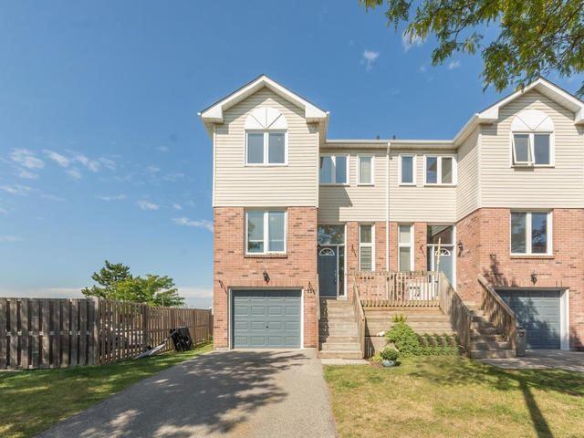 Condo Townhouse at 15 Stewart Maclaren Rd, Halton Hills, Ontario. Image 1