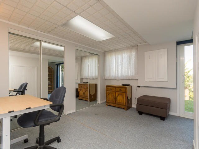 Condo Townhouse at 15 Stewart Maclaren Rd, Halton Hills, Ontario. Image 10