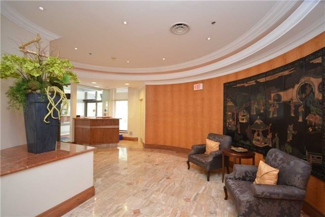 Condo Apartment at 935 Royal York Rd, Unit 505, Toronto, Ontario. Image 14