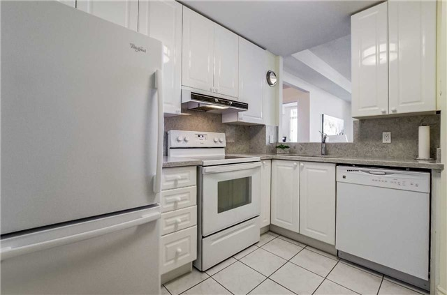 Condo Apartment at 935 Royal York Rd, Unit 505, Toronto, Ontario. Image 16