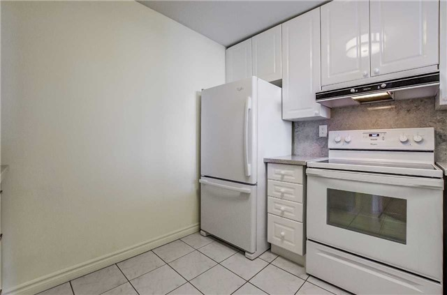 Condo Apartment at 935 Royal York Rd, Unit 505, Toronto, Ontario. Image 18