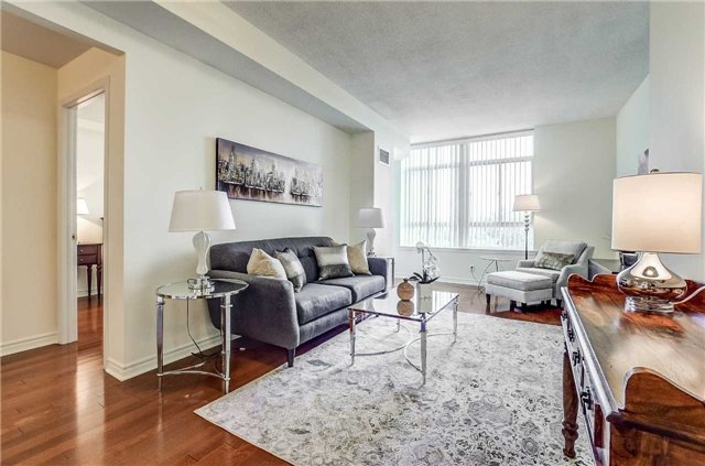 Condo Apartment at 935 Royal York Rd, Unit 505, Toronto, Ontario. Image 3