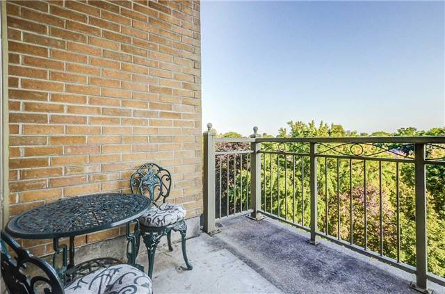 Condo Apartment at 935 Royal York Rd, Unit 505, Toronto, Ontario. Image 10