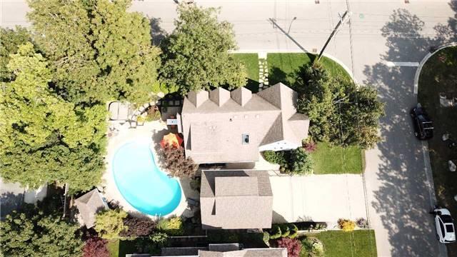 Detached at 74 Wilson St, Oakville, Ontario. Image 10
