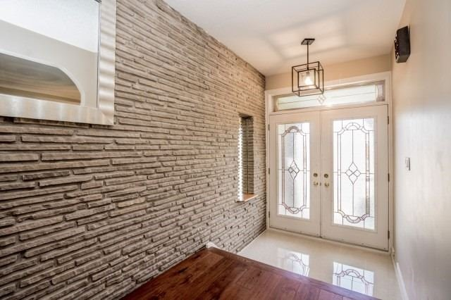 Detached at 671 Eversley Dr, Mississauga, Ontario. Image 12