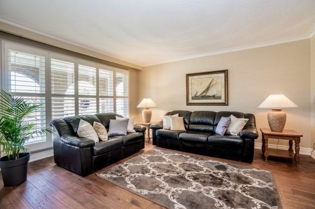 Detached at 671 Eversley Dr, Mississauga, Ontario. Image 15