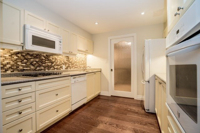 Detached at 671 Eversley Dr, Mississauga, Ontario. Image 10