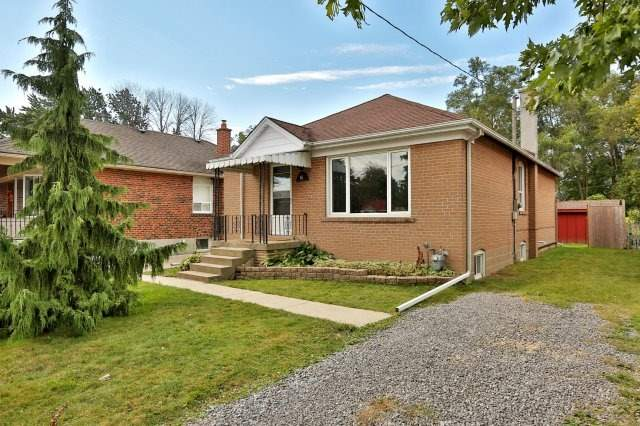 Detached at 16 Maple Ave N, Mississauga, Ontario. Image 1