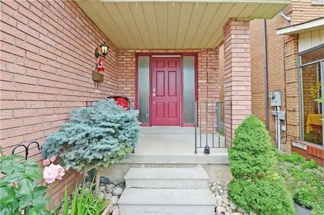 Detached at 152 Dumfries Ave, Brampton, Ontario. Image 12