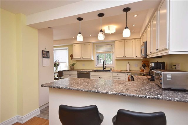Detached at 1341 Canford Cres, Mississauga, Ontario. Image 15