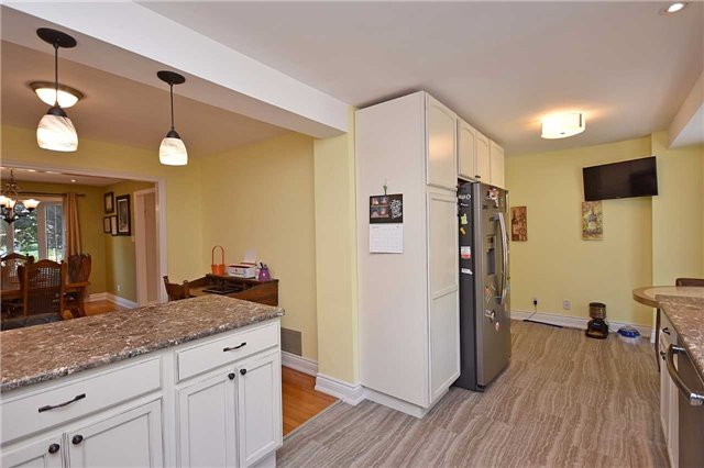 Detached at 1341 Canford Cres, Mississauga, Ontario. Image 16