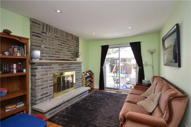 Detached at 1341 Canford Cres, Mississauga, Ontario. Image 20