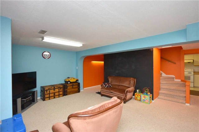 Detached at 1341 Canford Cres, Mississauga, Ontario. Image 10