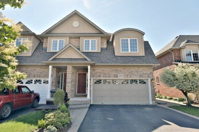 Semi-detached at 2271 Highcroft Rd, Oakville, Ontario. Image 1