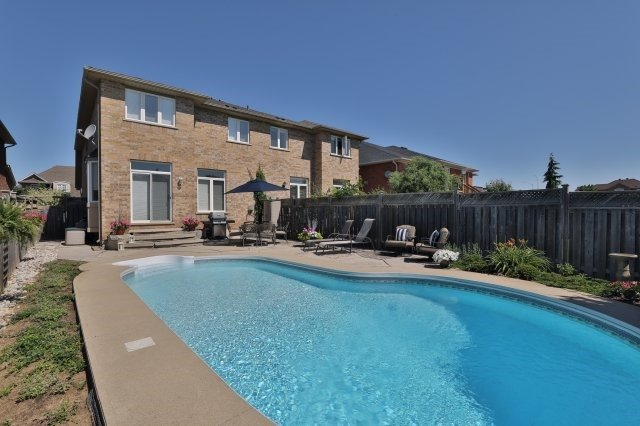 Semi-detached at 2271 Highcroft Rd, Oakville, Ontario. Image 12
