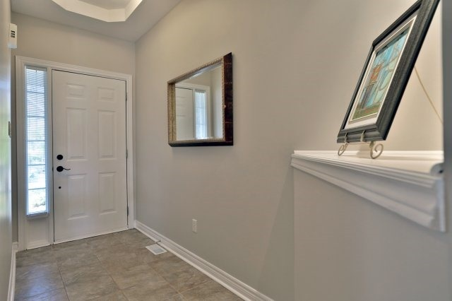 Semi-detached at 2271 Highcroft Rd, Oakville, Ontario. Image 15