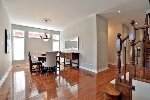 Semi-detached at 2271 Highcroft Rd, Oakville, Ontario. Image 17