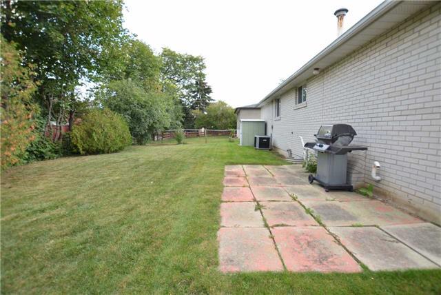 Detached at 16 Belmont Dr, Brampton, Ontario. Image 9