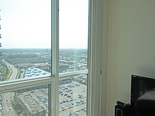 Condo Apartment at 3985 Grand Park Dr, Unit 2305, Mississauga, Ontario. Image 5