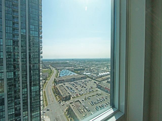 Condo Apartment at 3985 Grand Park Dr, Unit 2305, Mississauga, Ontario. Image 9