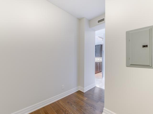 Condo Apartment at 100 John St, Unit 1901, Brampton, Ontario. Image 2