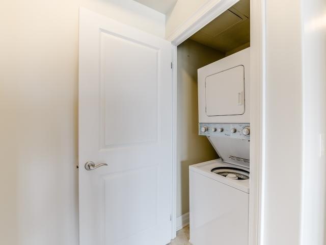 Condo Apartment at 100 John St, Unit 1901, Brampton, Ontario. Image 3