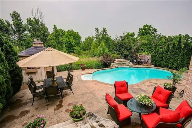 Detached at 2064 Bingley Cres, Oakville, Ontario. Image 11