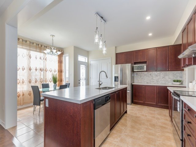 Detached at 75 Victoriaville Rd, Brampton, Ontario. Image 17