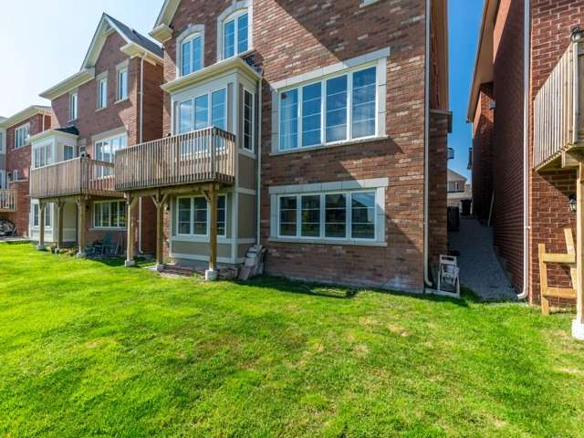 Detached at 75 Victoriaville Rd, Brampton, Ontario. Image 13