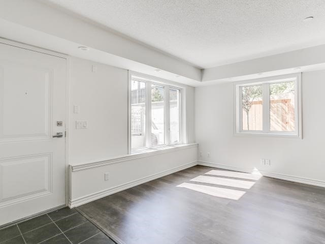 Condo Townhouse at 140 Long Branch Ave, Unit 33, Toronto, Ontario. Image 11