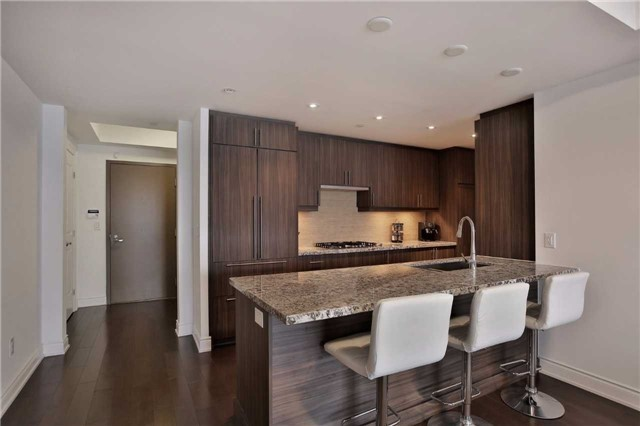 Condo Apartment at 3500 Lakeshore Rd W, Unit 516, Oakville, Ontario. Image 12