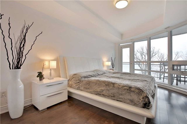 Condo Apartment at 3500 Lakeshore Rd W, Unit 516, Oakville, Ontario. Image 18