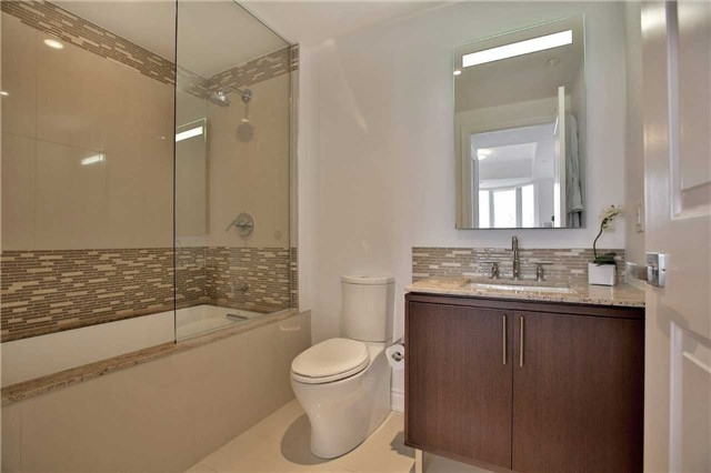 Condo Apartment at 3500 Lakeshore Rd W, Unit 516, Oakville, Ontario. Image 5