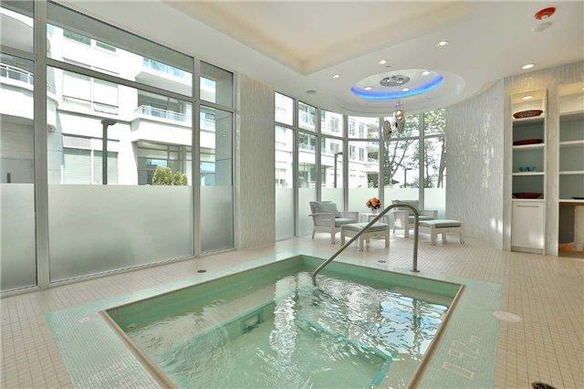 Condo Apartment at 3500 Lakeshore Rd W, Unit 516, Oakville, Ontario. Image 9