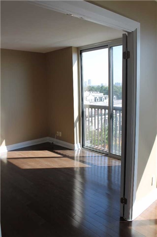 Condo Apartment at 2737 Keele St, Unit 516, Toronto, Ontario. Image 4