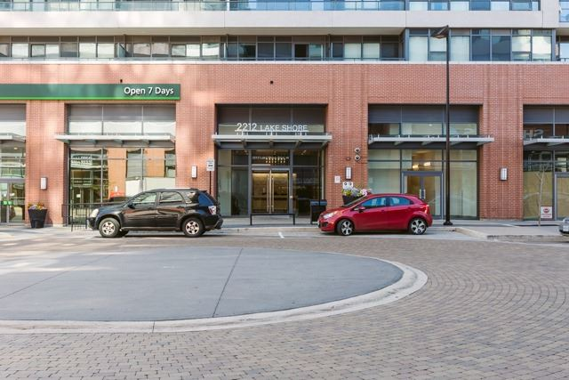 Condo Apartment at 2212 Lake Shore Blvd, Unit 3808, Toronto, Ontario. Image 13