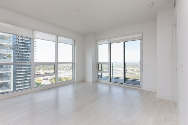 Condo Apartment at 2212 Lake Shore Blvd, Unit 3808, Toronto, Ontario. Image 14