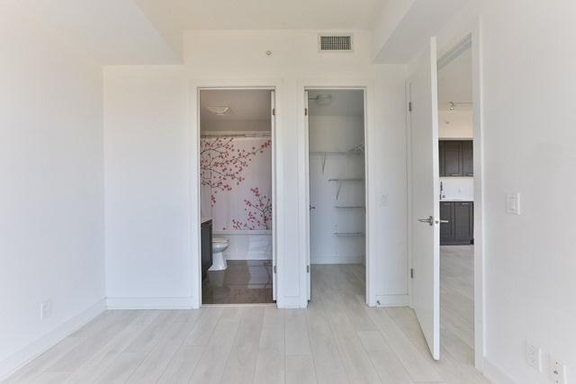 Condo Apartment at 2212 Lake Shore Blvd, Unit 3808, Toronto, Ontario. Image 3