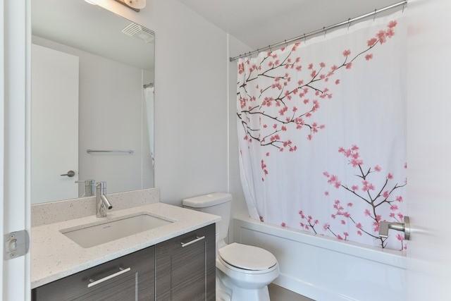 Condo Apartment at 2212 Lake Shore Blvd, Unit 3808, Toronto, Ontario. Image 5