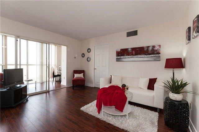 Condo Apartment at 285 Enfield Pl, Unit 2212, Mississauga, Ontario. Image 14