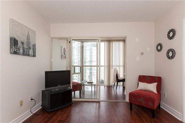 Condo Apartment at 285 Enfield Pl, Unit 2212, Mississauga, Ontario. Image 15