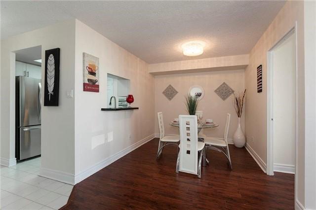 Condo Apartment at 285 Enfield Pl, Unit 2212, Mississauga, Ontario. Image 16