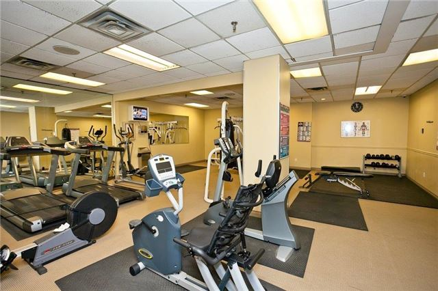 Condo Apartment at 285 Enfield Pl, Unit 2212, Mississauga, Ontario. Image 10