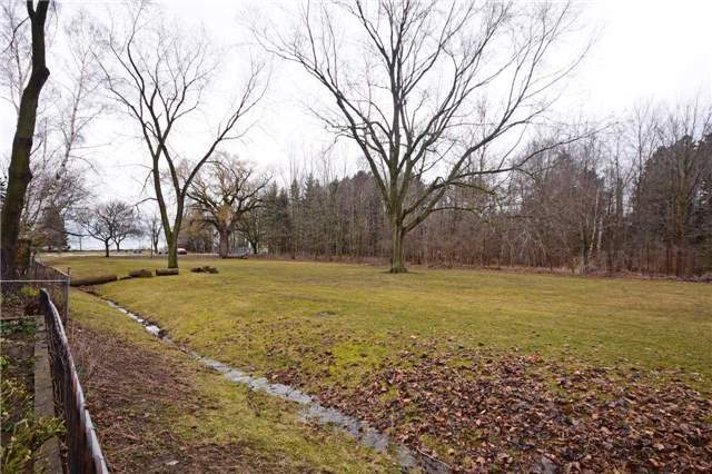 Detached at 354 Meadow Wood Lane, Mississauga, Ontario. Image 3